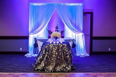 Embassy Suites Market Center Hotel - Wedding Head Table