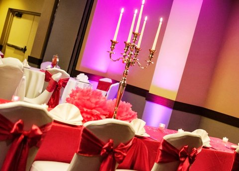 Embassy Suites Market Center Hotel - Candleabra Table Decor