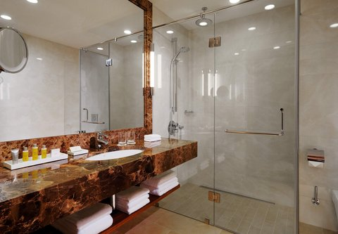 Novosibirsk Marriott Hotel - Suite Bathroom