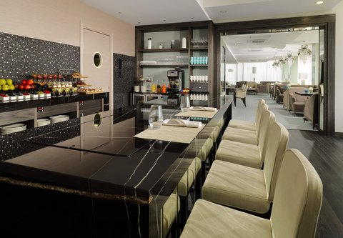 Novosibirsk Marriott Hotel - Bar   Terrace 10Ten Area