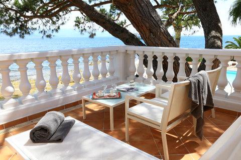Hotel Demeure les Mouettes - Room terrace