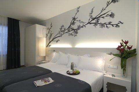 Hesperia Ramblas - Standard Room Twin