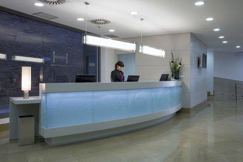 Hesperia Ramblas - Front Office
