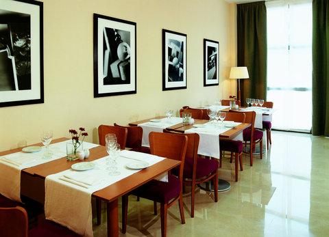 NH La Maquinista - Restaurant