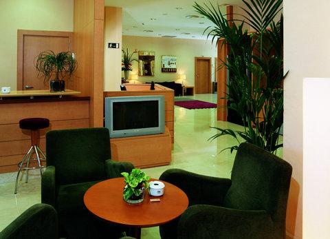 NH La Maquinista - Hotel facilities