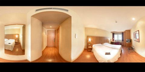 NH La Maquinista - Standard Room
