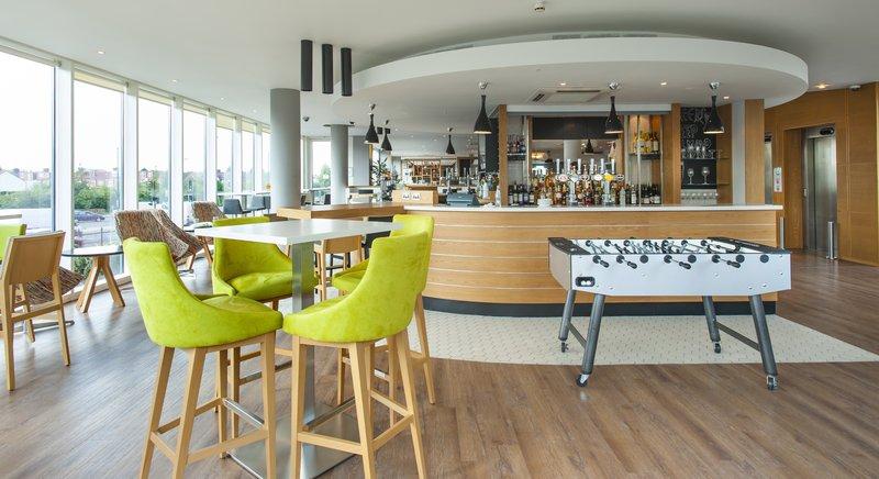Holiday Inn London - West Bar/salón