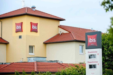 ibis Koeln Airport - Exterior
