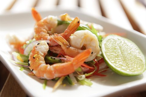 Rydges Plaza Hotel Cairns - RQCNSFood and Beverage Prawn Salad