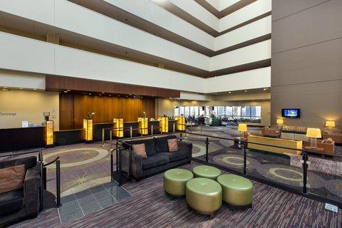 Holiday Inn Chicago Mart Plaza Hotel - Open Atrium Lobby