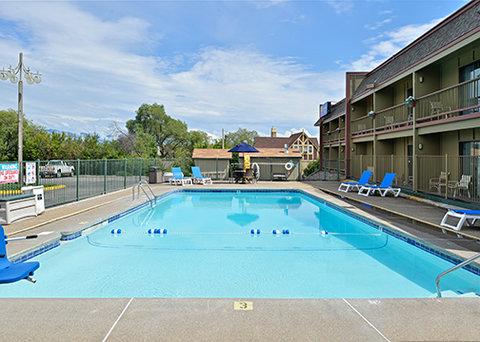 Comfort Inn Big Sky - pool1