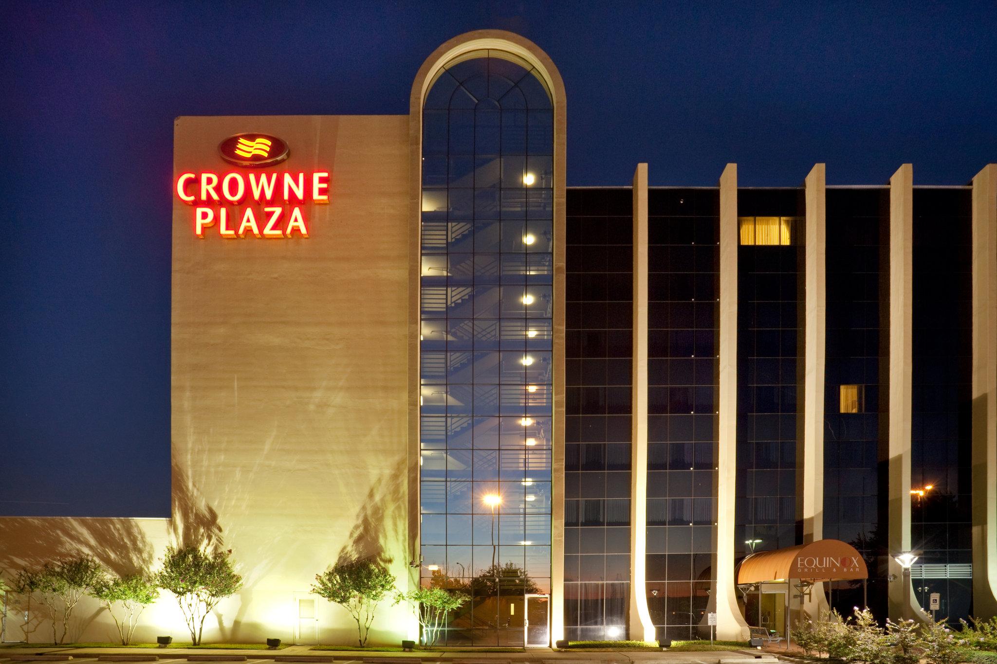 Crowne Plaza Arlington - Ballpark - Stadium