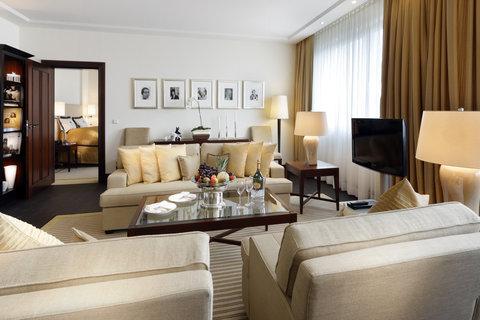 Kempinski Hotel Bristol Berlin - Berlin Suite Livingroom 1