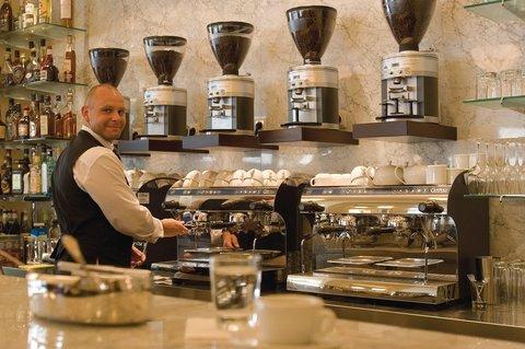 Kempinski Hotel Bristol Berlin - Restaurant Reinhard s im Kempinski Espressobar