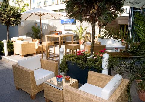 Kempinski Hotel Bristol Berlin - Summer Lounge
