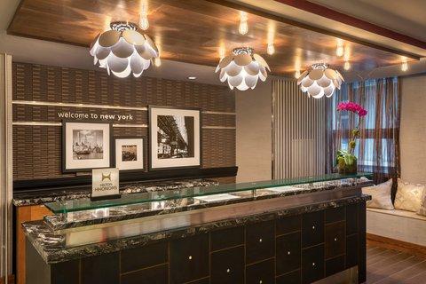 Hampton Inn Manhattan-Downtown-Financial - Front Desk