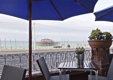 Hilton Brighton Metropole - Waterhouse Bar   Terrace