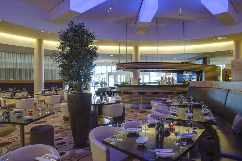 Radisson Blu Hotel Hamburg Airport Gastronomi