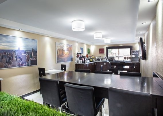 Comfort Inn Edgewater Gastronomi
