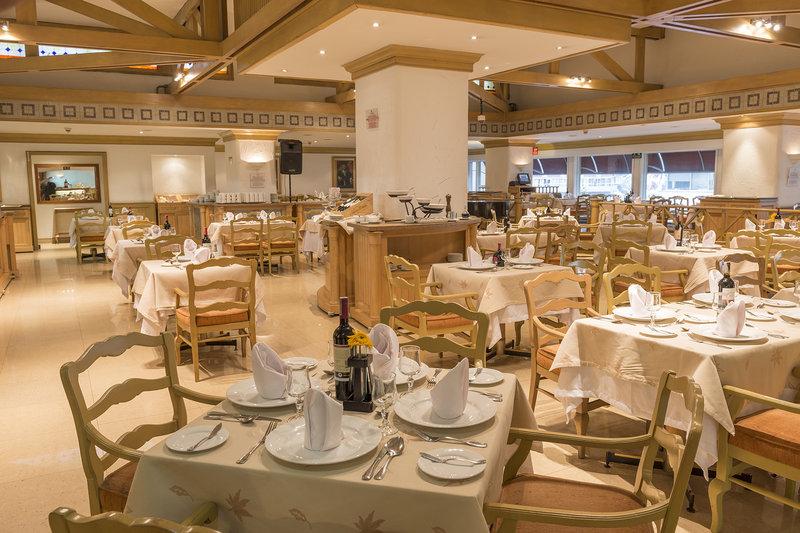 Crowne Plaza Aparta Suites Tequendama Ravintolat