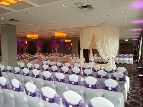 Holiday Inn Chicago Mart Plaza Hotel - Wolf Point Ballroom Wedding Ceremony