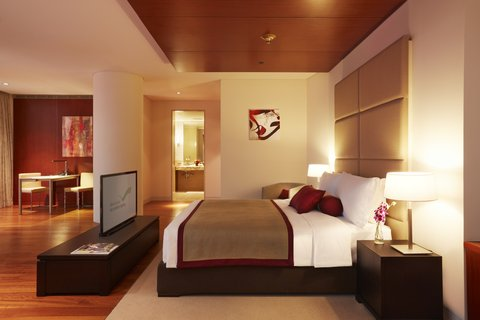 The Airport Hotel - Transit Only - Presidential Suite Bedroom