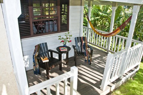 Sea U Guest House - Cottage Apt  - Patio