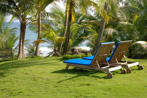 Sea U Guest House - Sunbeds In Garden