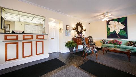 Best Western Sea Island Inn - Front Desk