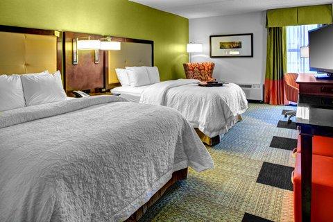 Hampton Inn Columbia Downtown Historic District - 2 Double Beds Bedroom