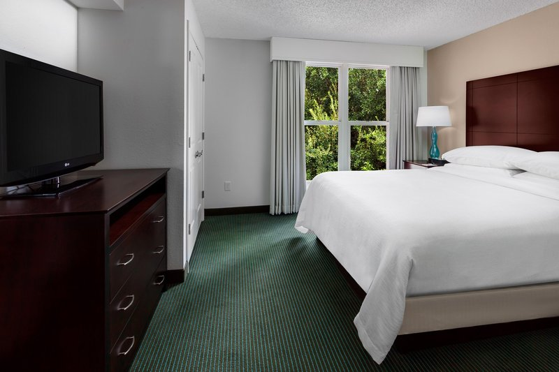 Embassy Suites Orlando - Lake Buena Vista Suite