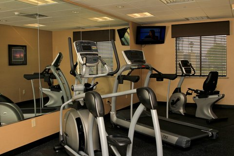 Holiday Inn Express & Suites FLORESVILLE - Fitness Center