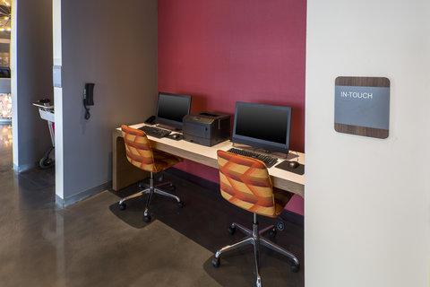 Aloft Tampa Downtown - Business Center
