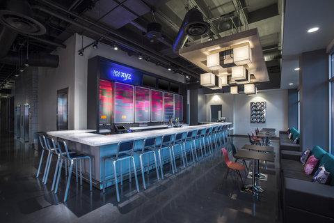 Aloft Tampa Downtown - WXYZ Bar