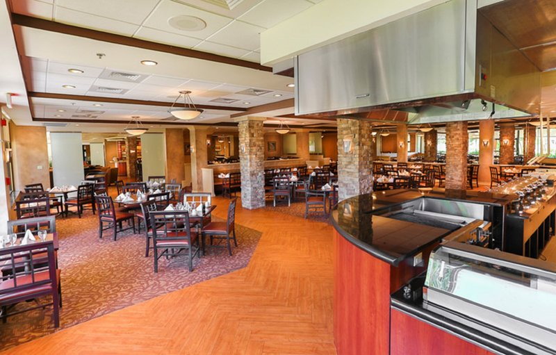 The Crowne Plaza Executive Center Baton Rouge Gastronomie