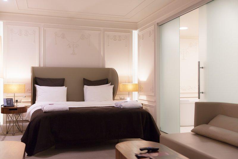 Crowne Plaza Hotel St. Petersburg - Ligovsky Odanın görünümü