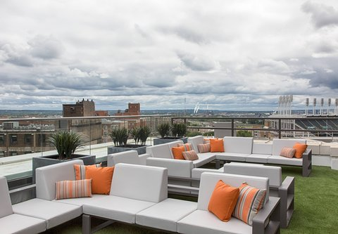 Metropolitan at The 9, Autograph Collection - Azure   Sitting Area