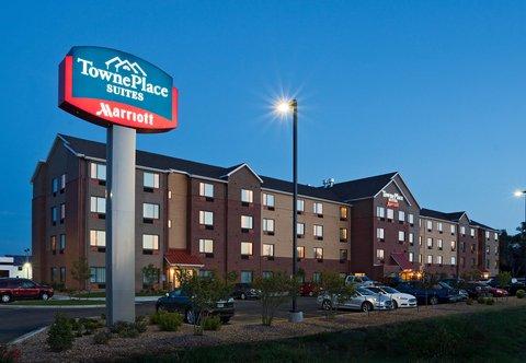 TownePlace Suites Dodge City - Exterior