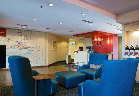 TownePlace Suites Dodge City - Front Desk