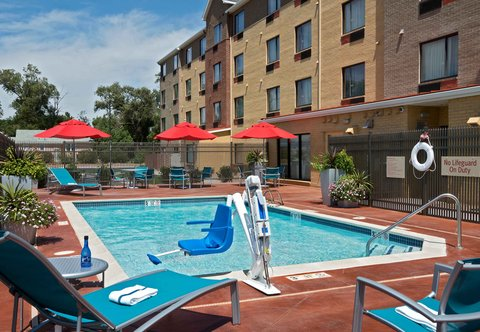 TownePlace Suites Dodge City - Outdoor Pool