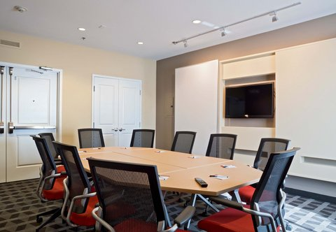 TownePlace Suites Dodge City - Meeting Room
