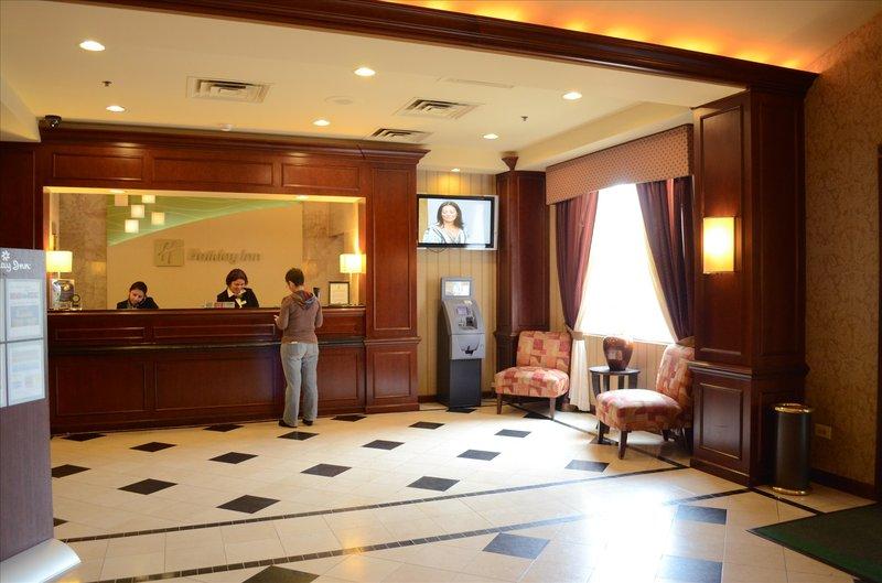 Holiday Inn Chicago O'Hare Area Lobby