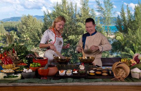 أنانتارا بوكيت ريزورت آند سبا ليان - Spice Spoons Cooking Class