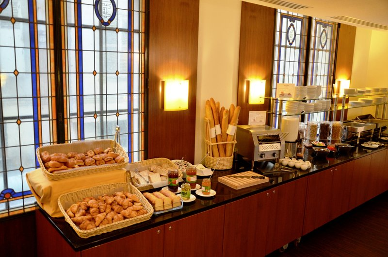 Holiday Inn Paris-Gare de L'est 餐饮设施