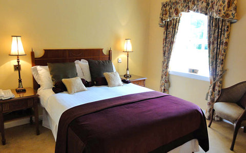 Melville Castle - Classic Double Bedroom