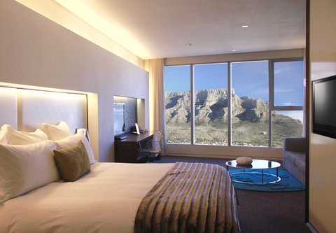 African Pride 15 on Orange Hotel - Deluxe Mountain King Guest Room