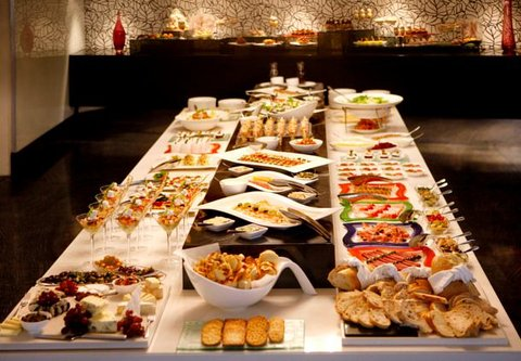 African Pride 15 on Orange Hotel - Sunday Lunch Buffet