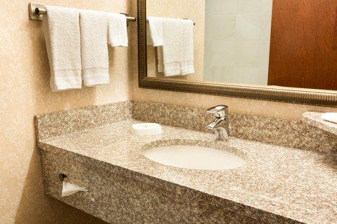 Drury Inn Suites Charlotte N Lake - Bathroom