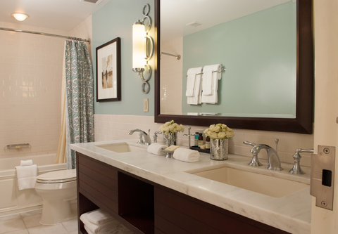 Union Station Hotel, Autograph Collection - Larger King Guest Room - Bathroom