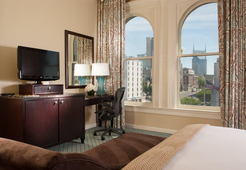 Union Station Hotel, Autograph Collection - Station Master Suite - Amenities